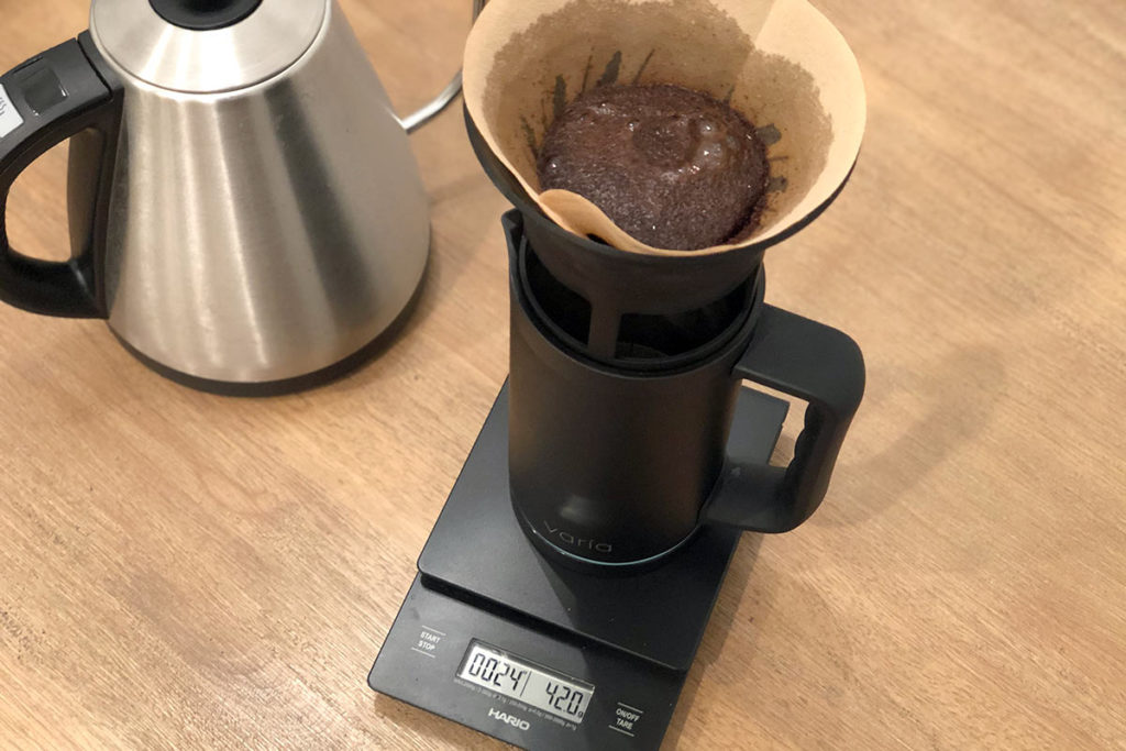 Making pour over coffee with the Varia