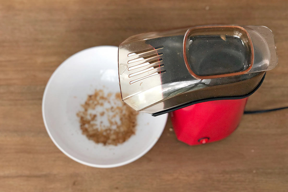 Coffee roasting in the hot air popcorn popper