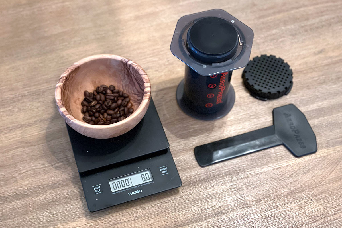 Elements needed for mini AeroPress recipe