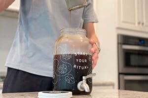 Removing coffee grounds from cold brew maker